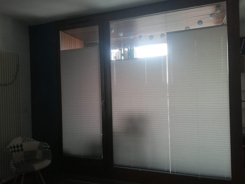 2 plisy w jednym oknie 2