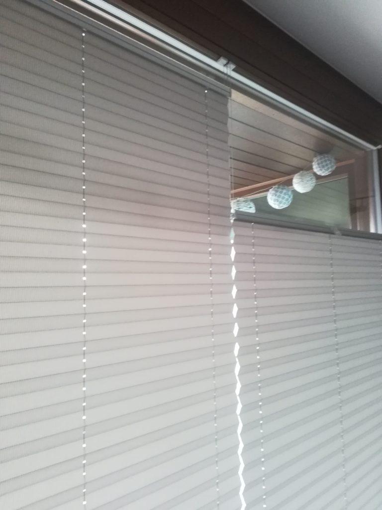 2 plisy w jednym oknie4